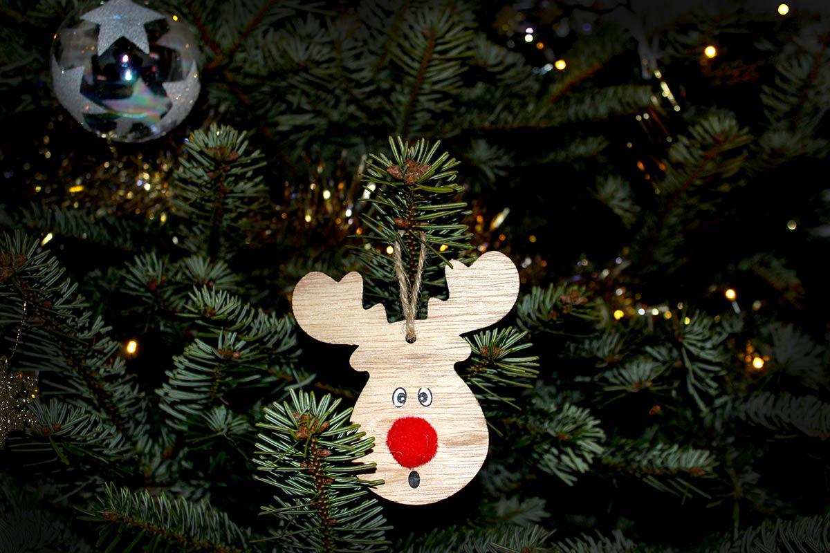 Een leuk detail in de kerstboom fotograferen